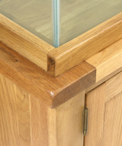 AQ110D 110cm Doors and Drawers Corner & Trim Close Up